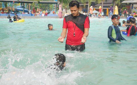 Fun swimming di Funpark Tangerang